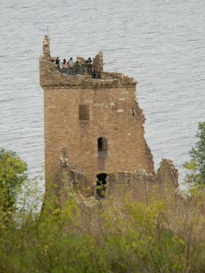 Tower of tourists, Urquhart. Image by C. L. Tangenberg